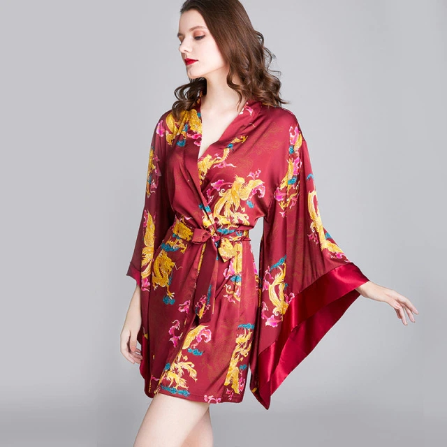 Discover with patience the indicated one short silk kimono robe
